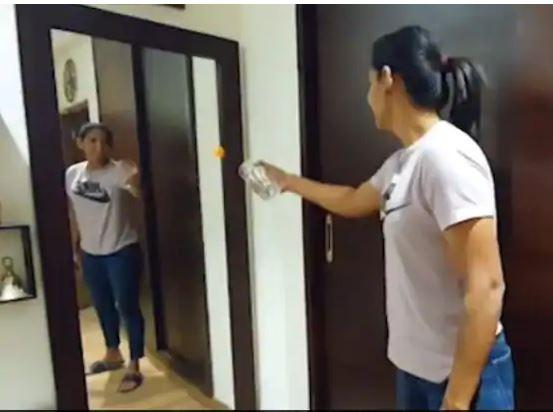 वीडियो : भारतीय महिला कप्तान हरमनप्रीत कौर ने दिखाया मैजिक, देख हर कोई काफी हैरान 5