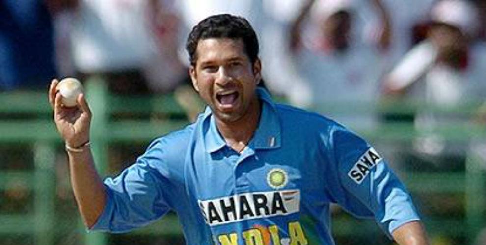 बल्लेबाज होने के बाद भी इस बल्लेबाज के नाम है वनडे में स्टेन, अख्तर और इमरान खान से ज्यादा गेंद डालने का विश्व रिकॉर्ड 11