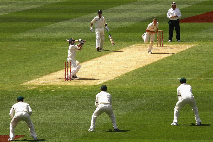 दुनिया का एकमात्र विकेटकीपर बल्लेबाज, जिसने किसी एक टेस्ट की दोनों पारियों में लगाये हैं शतक 4