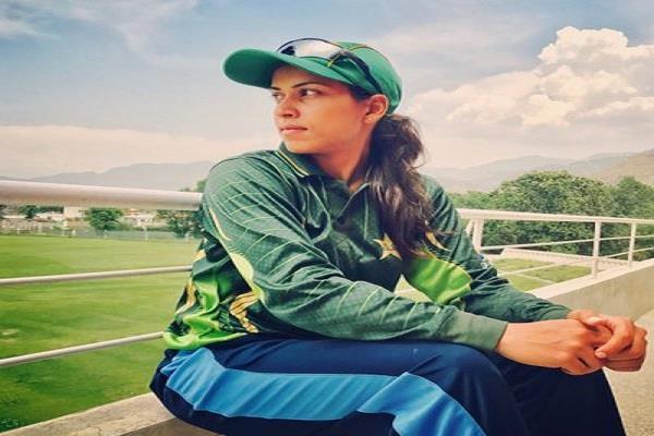 खूबसूरती के कारण चर्चा में रहने वाली ये पाकिस्तानी खिलाड़ी इस भारतीय को मानती अपना आदर्श 3