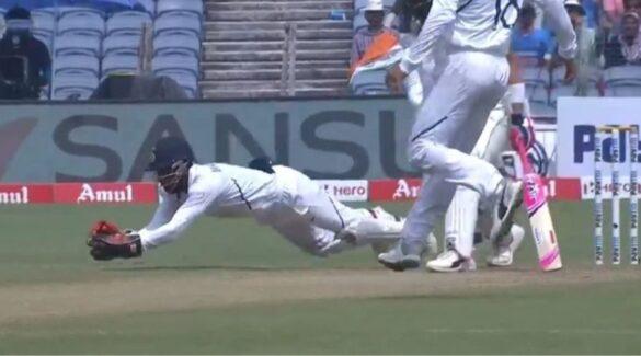 भारतीय टीम का यह खिलाड़ी घर में शुरू किया अभ्यास, बूढ़े पिता कर रहे हैं मदद 7