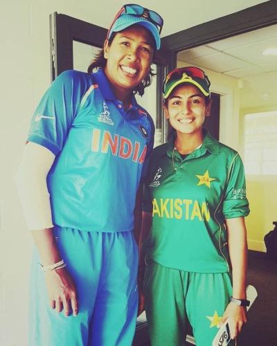 खूबसूरती के कारण चर्चा में रहने वाली ये पाकिस्तानी खिलाड़ी इस भारतीय को मानती अपना आदर्श 4