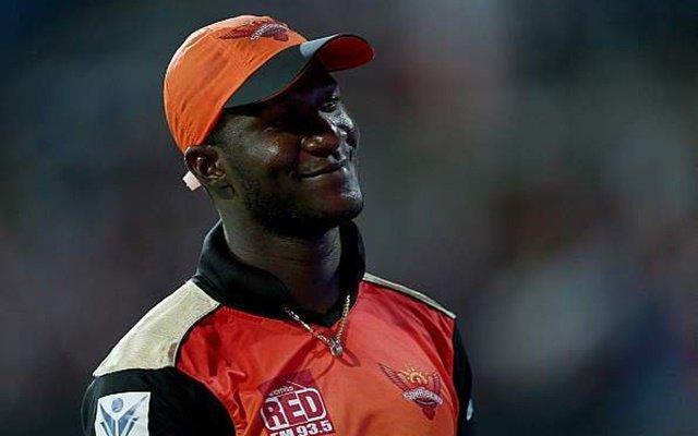 डैरेन सैमी ने कहा मुझे आईपीएल में कहा गया था कालू,अब उनके टीम मेट पार्थिव पटेल और इरफान पठान ने बताई सच्चाई 8