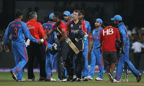 इंग्लैंड के इस दिग्गज ने भारतीय टीम के इन 3 खिलाड़ियों को कहा था गधा, जमकर मचा था बवाल 1
