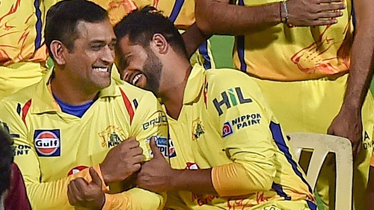 IPL 2020: धोनी बने सबसे ज्यादा आईपीएल मैच खेलने वाले पहले खिलाड़ी तो रैना ने कहा..... 12