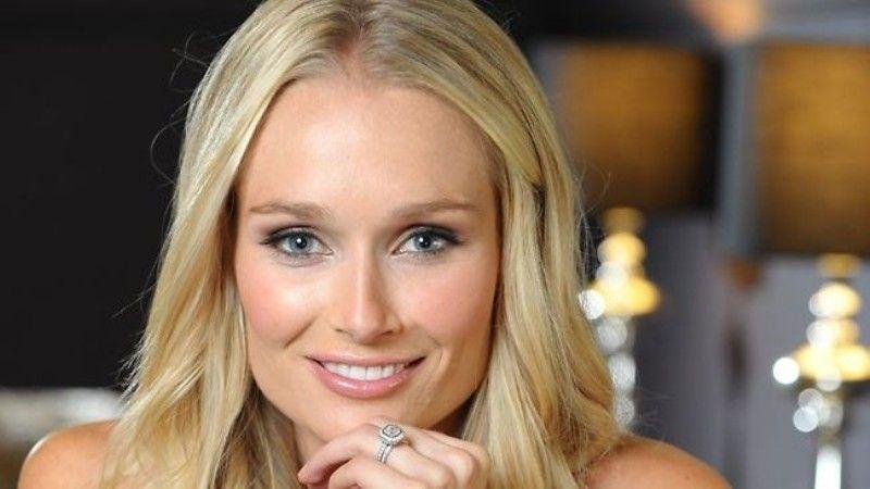 ऑस्ट्रेलिया के इस दिग्गज ऑलराउंडर खिलाड़ी की पत्नी अपने जीवन में है एक परफेक्ट ऑलराउंडर 12