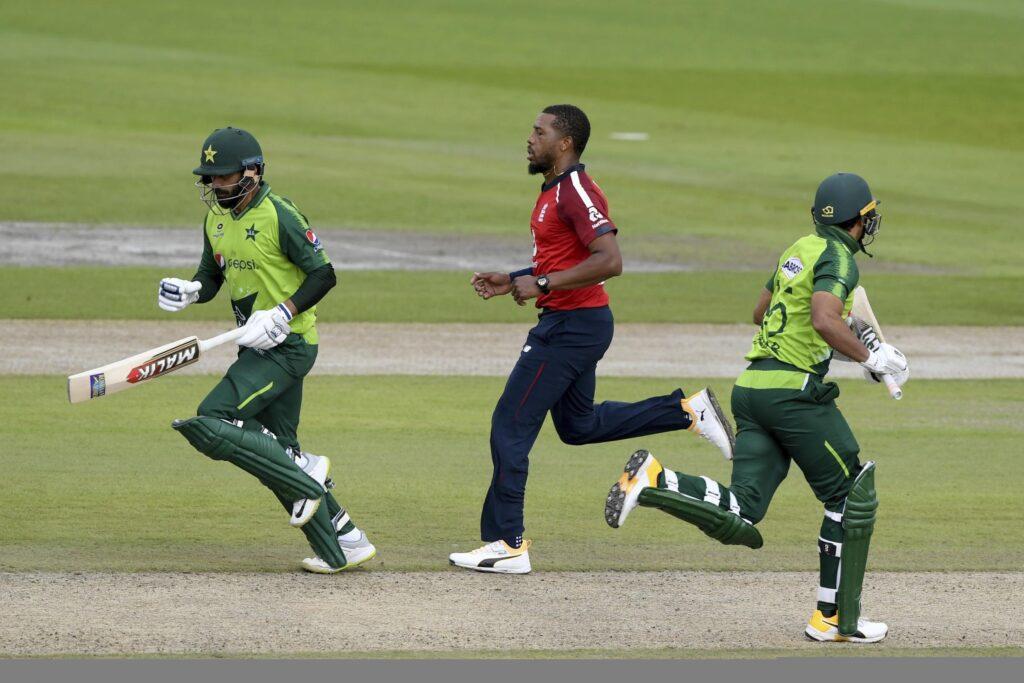 पीसीबी ने इंग्लैंड क्रिकेट टीम के भेजा न्योता, पाकिस्तान में तीन मैचों की टी20 सीरीज चाहता है पीसीबी 2