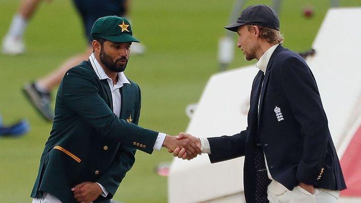 """ENGvsPAK: इंग्लैंड से हार के बाद वसीम अकरम का फूटा अजहर अली पर गुस्सा, बताया """"खराब कप्तान"""" 1"""