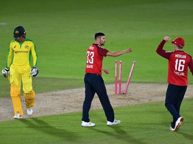 ENG vs AUS- पहले टी20 मैच में अंतिम गेंद तक चला मुकाबला, देखें किसे मिली जीत 14