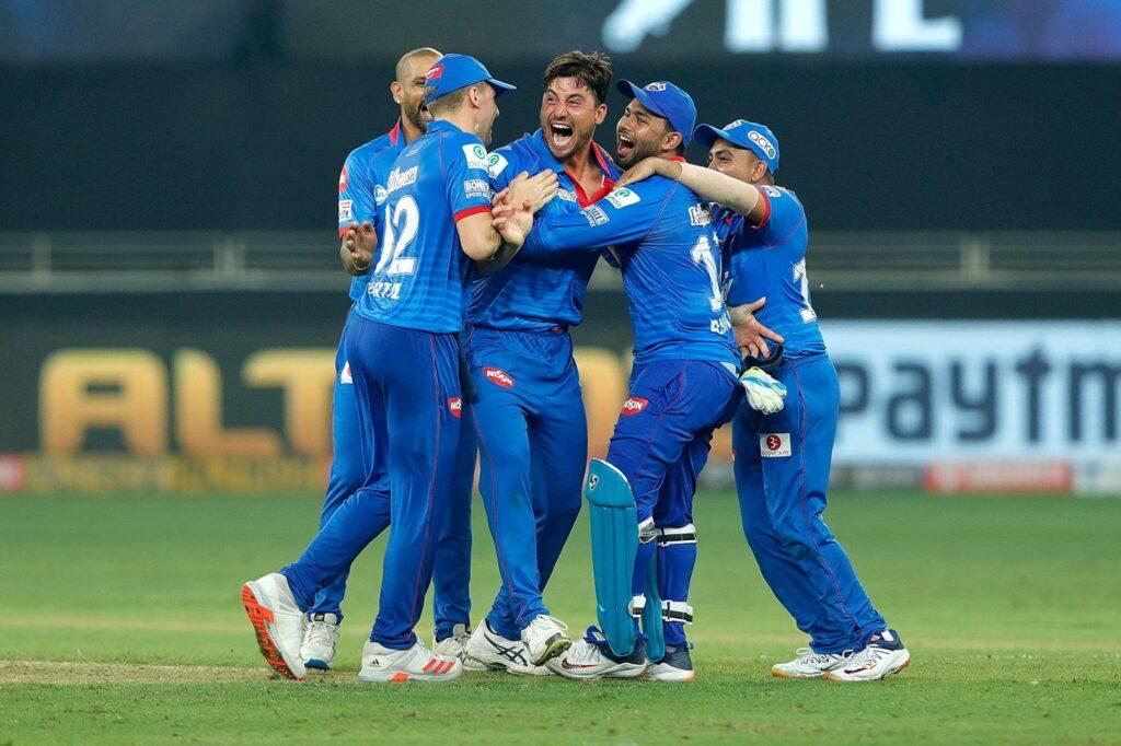 आईपीएल 2020-  बैंगलोर की जीत के बाद पॉइंट टेबल में हुआ बड़ा बदलाव, ये 4 टीमें कर रही क्वालीफाई 3