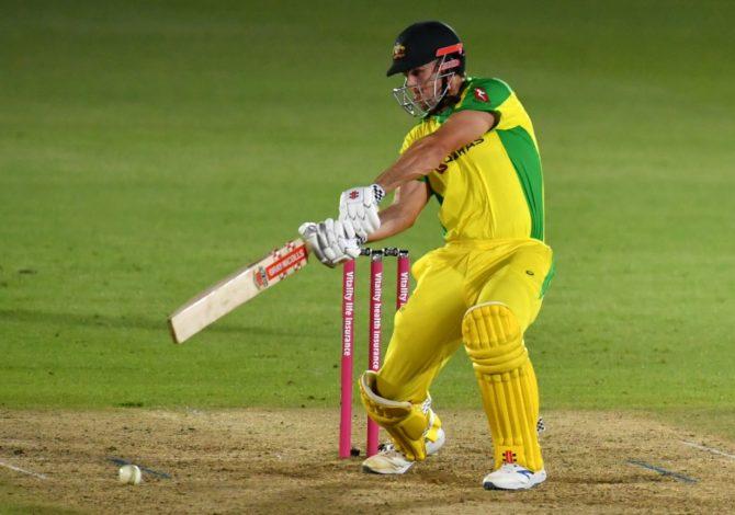 ENGvsAUS: तीसरे और अंतिम टी20 मैच में इंग्लैंड को हराकर ऑस्ट्रेलिया ने बचाया सम्मान 9