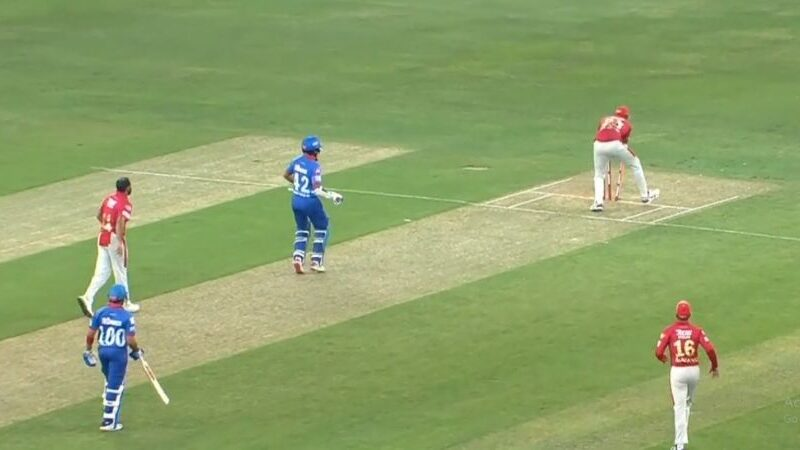 आईपीएल 2020- पृथ्वी शॉ ने बीच मैदान पर दिया शिखर धवन को धोखा, भड़के गब्बर 18