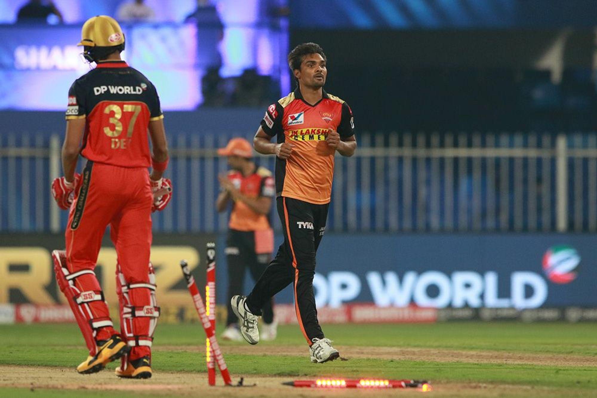 SRHvsRCB: मैदान पर इस शख्स की मदद से मैच विनिंग प्रदर्शन कर सके संदीप शर्मा, मैन ऑफ द मैच अवॉर्ड जीतने के बाद किया खुलासा 1