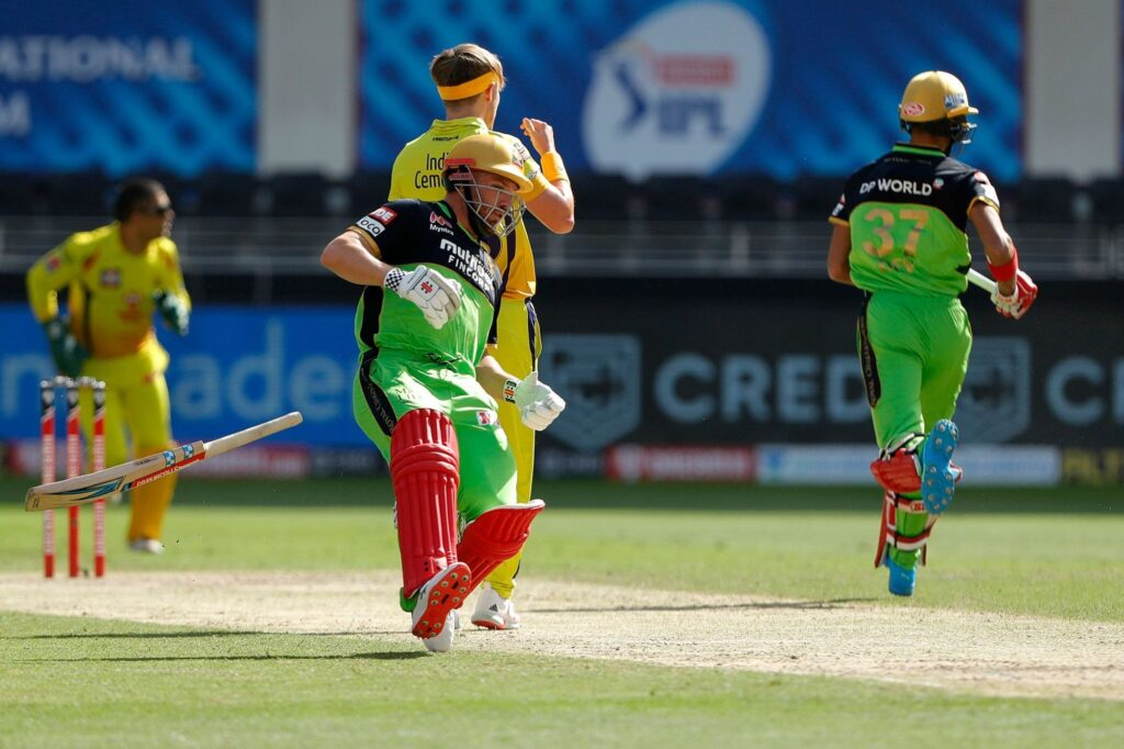 IPL 2020: रॉयल चैलेंजर्स बैंगलोर टीम के लिए अनलकी रही है ग्रीन जर्सी, आकड़े बता रहे हैं सच्चाई 2