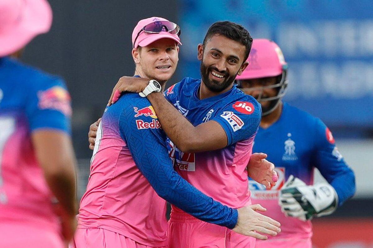 RRvsRCB: स्टीव स्मिथ की गलती पड़ी राजस्थान पर भारी, आरसीबी ने 7 विकेट से दर्ज की बड़ी जीत 1