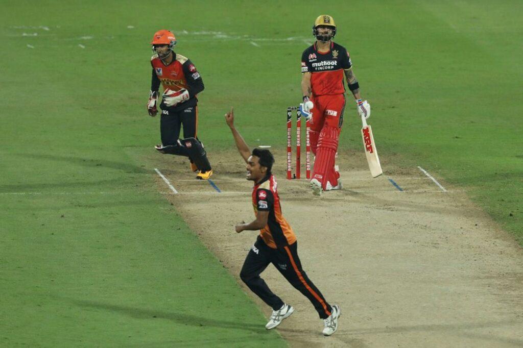 RCB vs SRH : विराट कोहली ने इन खिलाड़ियों को बताया सनराइजर्स के खिलाफ मिली हार का पूरा जिम्मेदार 2