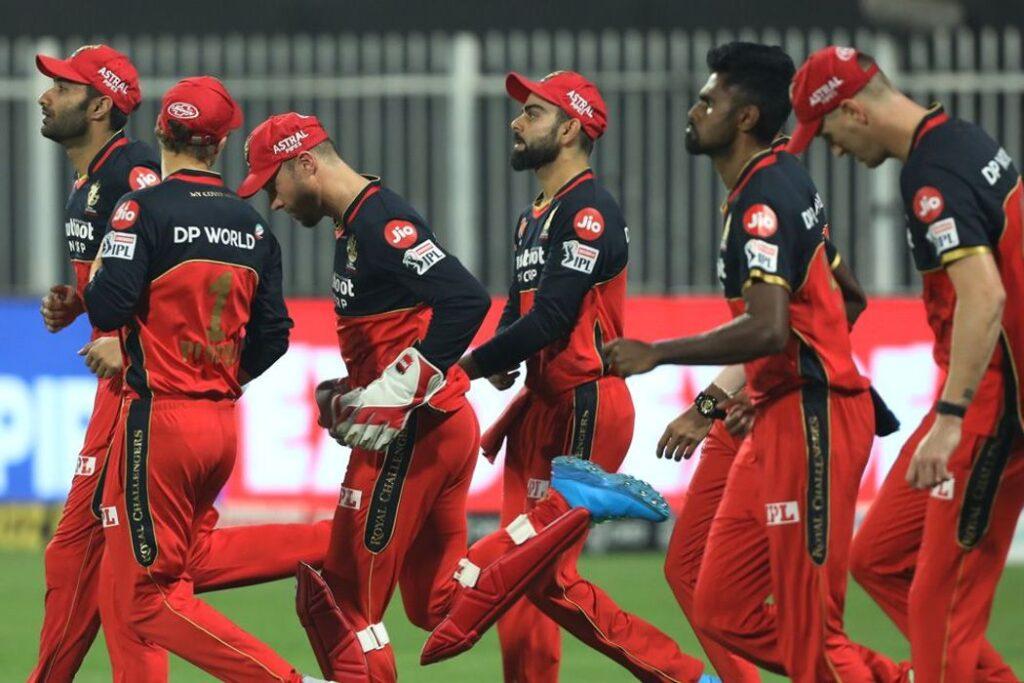 RCB vs SRH : विराट कोहली ने इन खिलाड़ियों को बताया सनराइजर्स के खिलाफ मिली हार का पूरा जिम्मेदार 1