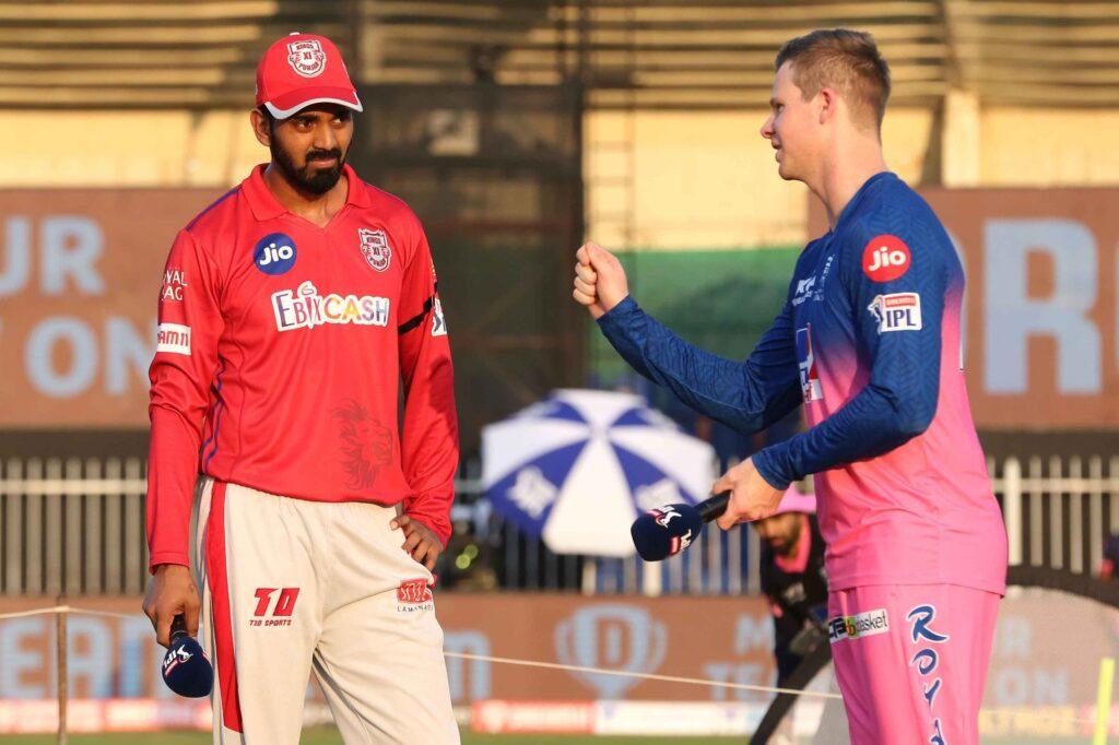 आईपीएल 2020- सुनील गावस्कर ने धोनी, विराट और रोहित नहीं इस खिलाड़ी को बताया मैदान में अपना सबकुछ झोंक देने वाला 3