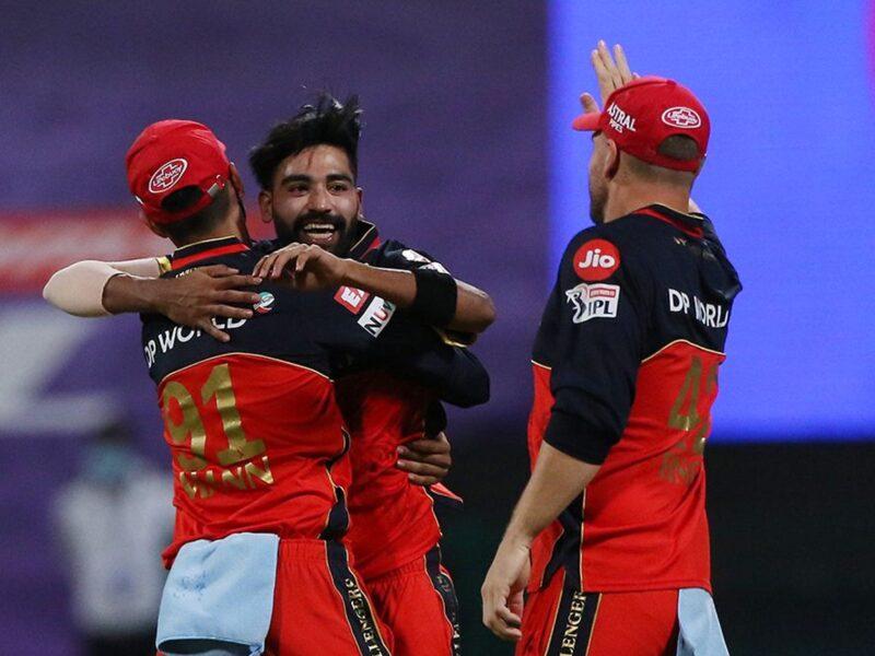 आईपीएल 2020- मोहम्मद सिराज ऐसा कारनामा करने वाले आईपीएल के इतिहास में बने पहले गेंदबाज 6