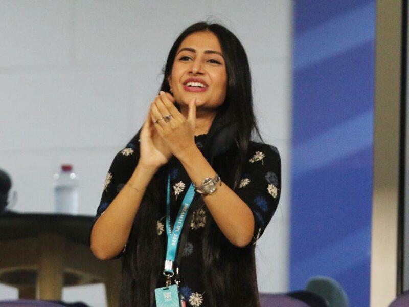 आईपीएल 2020- युजवेन्द्र चहल ने किया दिनेश कार्तिक को आउट, तो देखने लायक था धनश्री वर्मा का रिएक्शन 6