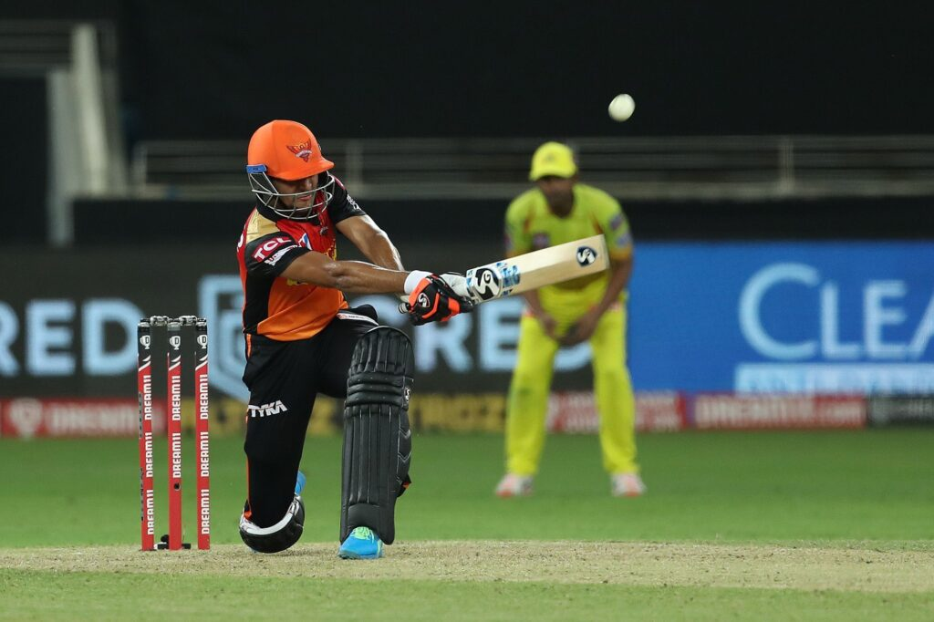 राहुल द्रविड़ की नजरों से निकले इस खिलाड़ी ने महेंद्र सिंह धोनी के भी उड़ा दिए होश 4