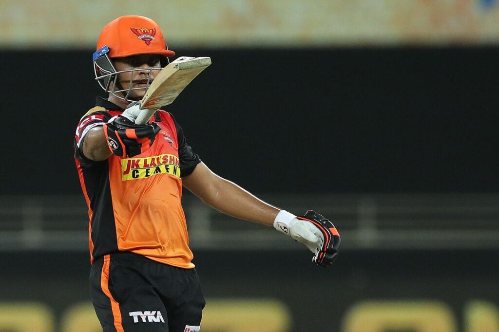 राहुल द्रविड़ की नजरों से निकले इस खिलाड़ी ने महेंद्र सिंह धोनी के भी उड़ा दिए होश 3