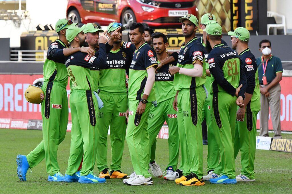 IPL 2020: रॉयल चैलेंजर्स बैंगलोर टीम के लिए अनलकी रही है ग्रीन जर्सी, आकड़े बता रहे हैं सच्चाई 5