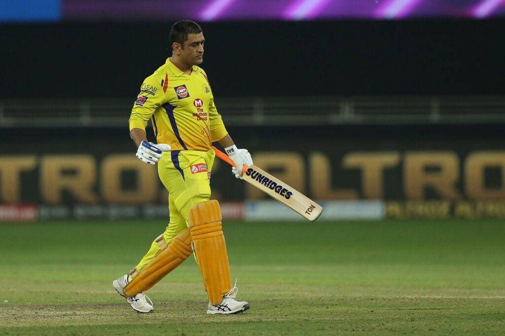 IPL 2020- महेंद्र सिंह धोनी हुए आईपीएल में फ्लॉप तो कुमार संगकारा ने माही के लिए कह दी ये बड़ी बात 1