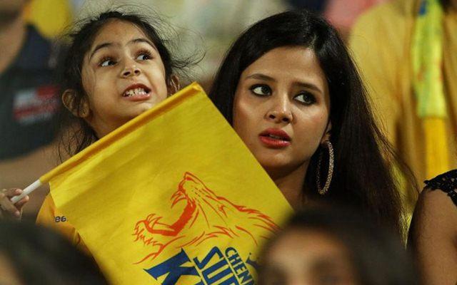 आईपीएल 2020- चेन्नई सुपर किंग्स के प्लेऑफ की रेस से बाहर होने पर साक्षी धोनी का छल्का दर्द 1