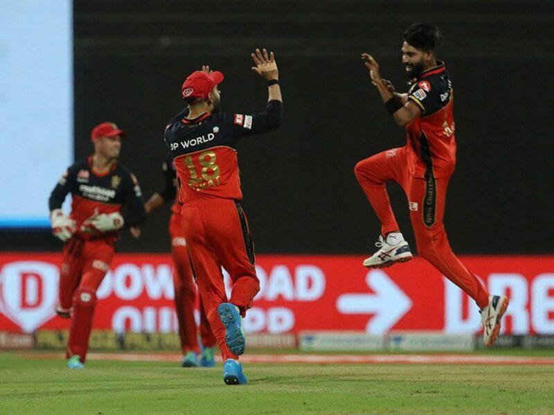 RCB vs KKR : मैच में बने 8 रिकॉर्ड, मोहम्मद सिराज ऐसा करने वाले बने आईपीएल के पहले गेंदबाज 13