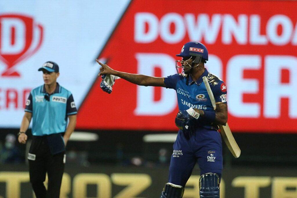 आईपीएल 2020- मैच के दौरान भिड़ गए हार्दिक पंड्या और क्रिस मौरिस, मैच रैफरी ने लिया ये एक्शन 5