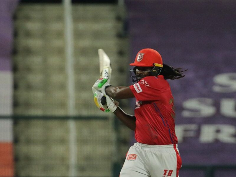 आईपीएल 2020- क्रिस गेल को अपना बैट फेंकना पड़ा भारी, आईपीएल गवर्निंग काउंसिल ने लगाया इतना जुर्माना 10