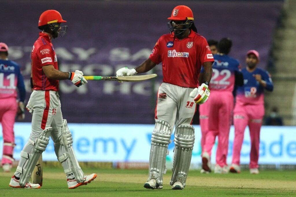 आईपीएल 2020- क्रिस गेल को अपना बैट फेंकना पड़ा भारी, आईपीएल गवर्निंग काउंसिल ने लगाया इतना जुर्माना 4