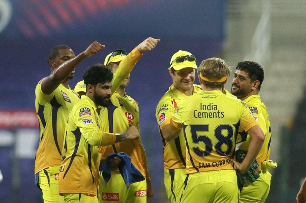 महेन्द्र सिंह धोनी की टीम पॉइंट्स टेबल के 8वें स्थान पर, सोशल मीडिया पर ऐसे उड़ रहा है मजाक 2