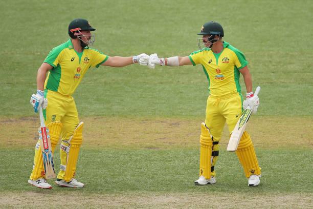 AUSvsIND: दूसरे वनडे के दौरान आरोन फिंच के साथ मस्ती करते दिखे केएल राहुल, देखें वीडियो 2