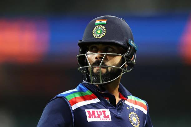 सेंचुरी किंग विराट कोहली इंटरनेशनल क्रिकेट में पिछली इतनी पारी से नहीं लगा सके हैं शतक 6