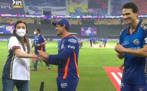 IPL FINAL: मुंबई इंडियंस की जीत के जोश में मालकिन नीता अंबानी से हो गई से बड़ी भूल, जाने पूरा मामला 1