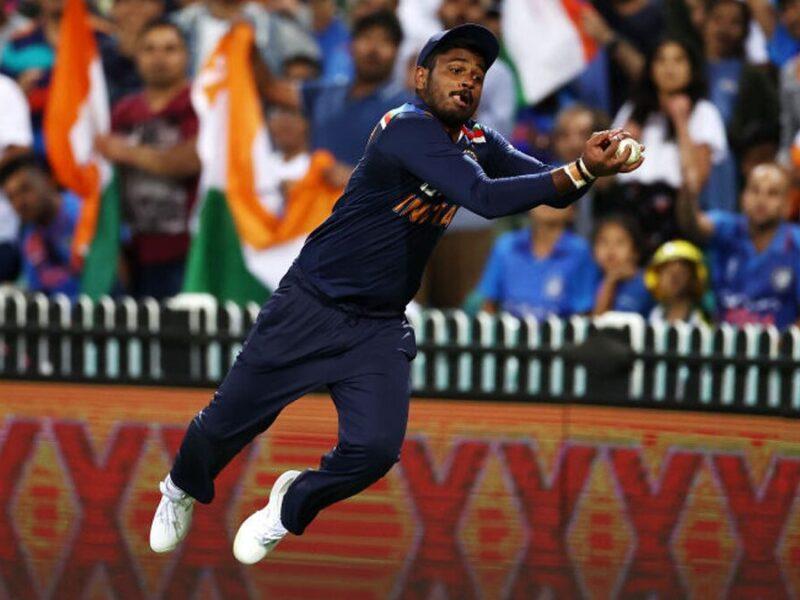 भारतीय क्रिकेट टीम के वो 3 खिलाड़ी जो बल्लेबाजी में रहे जीरो, लेकिन फील्डिंग ने बना दिया हीरो 6