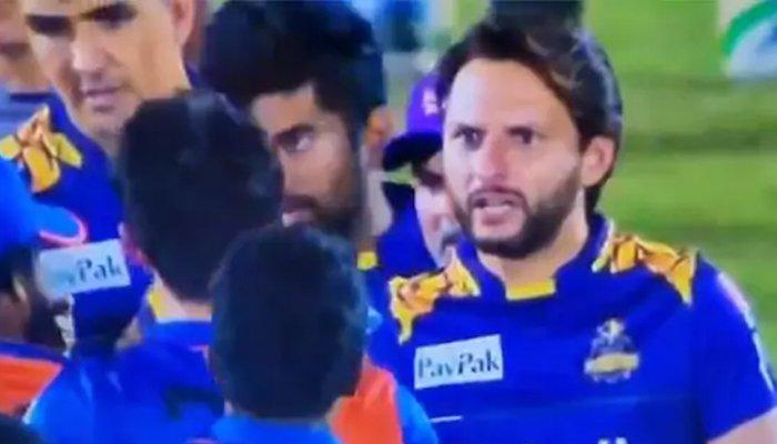 शाहिद अफरीदी ने दी नवीन उल हक को सलाह, तो अफगानिस्तान के खिलाड़ी ने दिया करारा जवाब 3