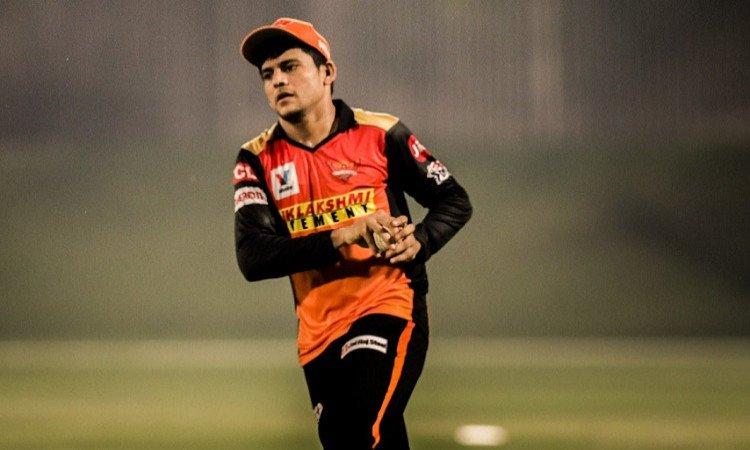 IPL 2021: आईपीएल से पहले विराट कोहली ने प्रियम गर्ग को दिया मंत्र, बताया सफल क्रिकेटर बनने के लिए इन बातों का रखो ध्यान 12
