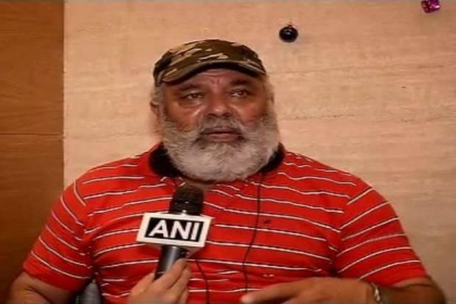 पिता योगराज के विवादित बयान के बाद युवराज सिंह बने ट्रोलर्स का शिकार, जमकर उड़ाया गया मजाक 7