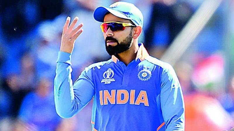 5 मौके जब विराट कोहली ने सोशल मीडिया पर अपने साथी खिलाड़ियों को किया ट्रोल 6