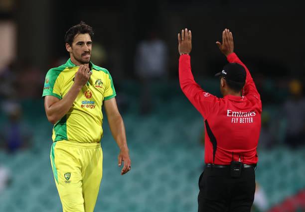 AUSvsIND: ऑस्ट्रेलिया टीम को लगा एक और बड़ा झटका, वार्नर के बाद ये दिग्गज भी हो गया है चोटिल 4