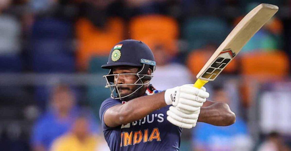 भारतीय क्रिकेट टीम के वो 3 खिलाड़ी जो बल्लेबाजी में रहे जीरो, लेकिन फील्डिंग ने बना दिया हीरो 2