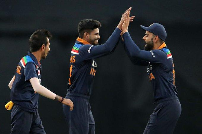 AUSvsIND: भारत को मिला 195 रनों का लक्ष्य, सोशल मीडिया पर उड़ा कोहली और मैथ्यू वेड का मजाक 9