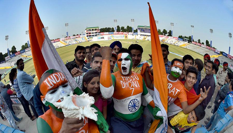 बीसीसीआई का बड़ा ऐलान, इस डेट से भारतीय दर्शक मैदान पर जाकर देख पाए क्रिकेट मैच 1