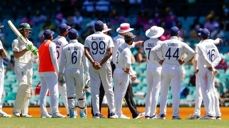 भारतीय खिलाड़ियों पर नस्लीय टिप्पणी के बाद गर्माया माहौल, गौतम गंभीर ने की बैन की मांग 1