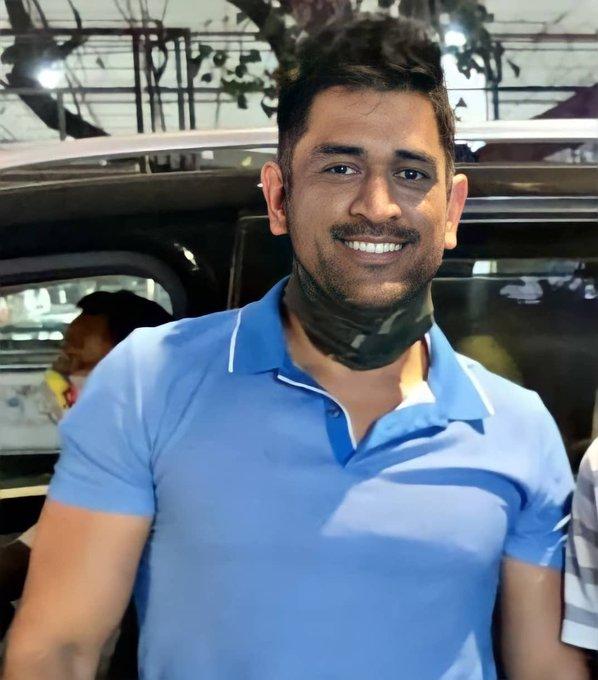 PHOTOS : नए लुक में नजर आए महेंद्र सिंह धोनी, सोशल मीडिया पर तस्वीर वायरल 2
