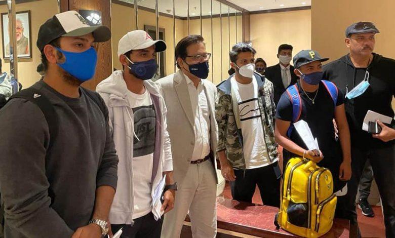 ऑस्ट्रेलिया फ़तह के बाद घर लौटी भारतीय टीम का हुआ जोरदार स्वागत, देखें तस्वीरें 1
