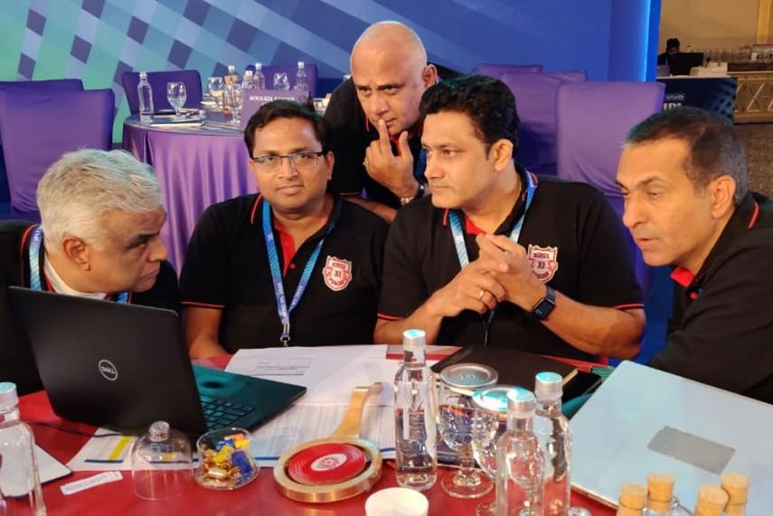 आईपीएल 2021 : दिल्ली कैपिटल्स से आरसीबी में ट्रेड हुए ये दो खिलाड़ी, विराट की टीम हुई मजबूत 3